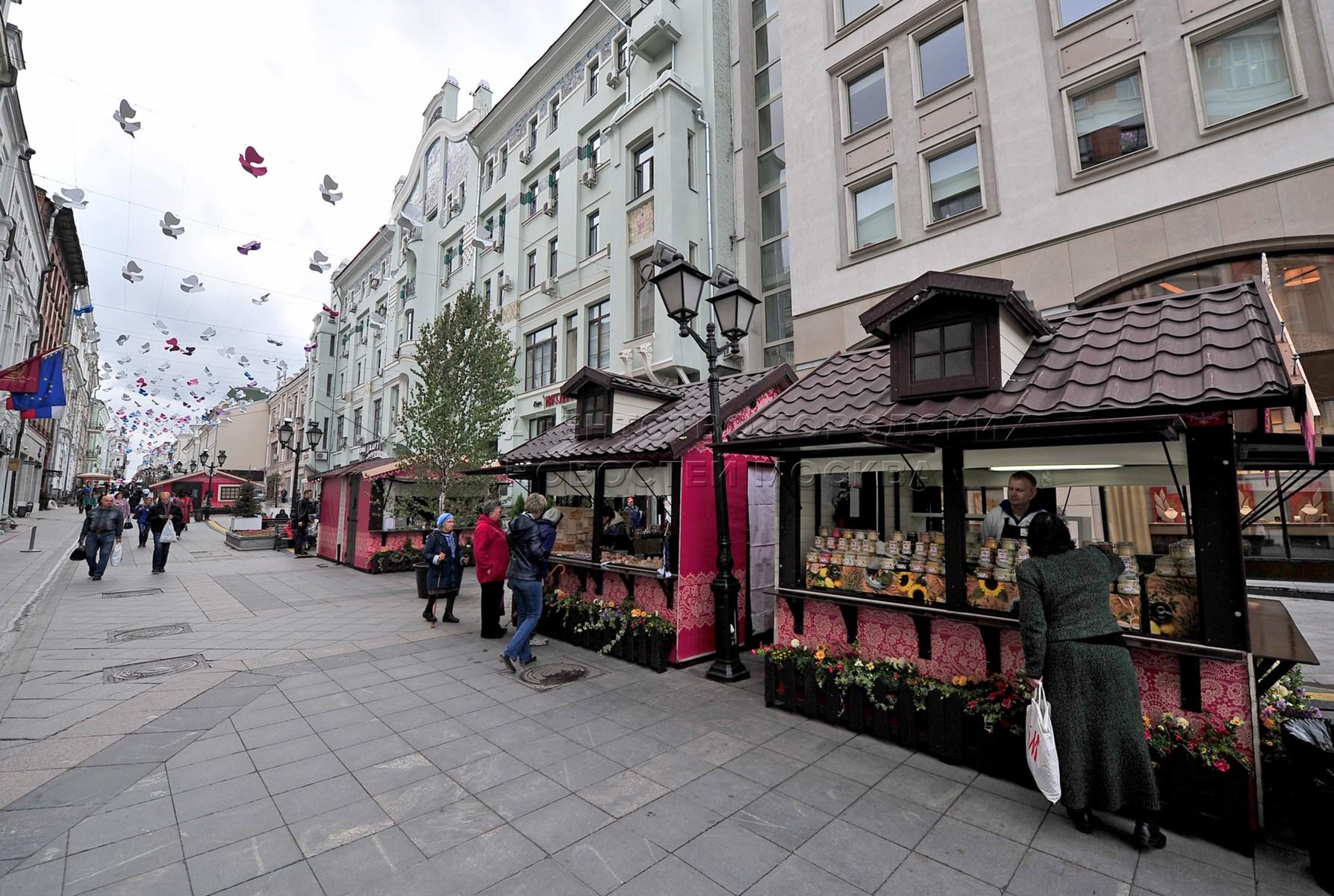 Автор: Киселев Сергей. Площадки фестиваля «Наш продукт» в центре Москвы