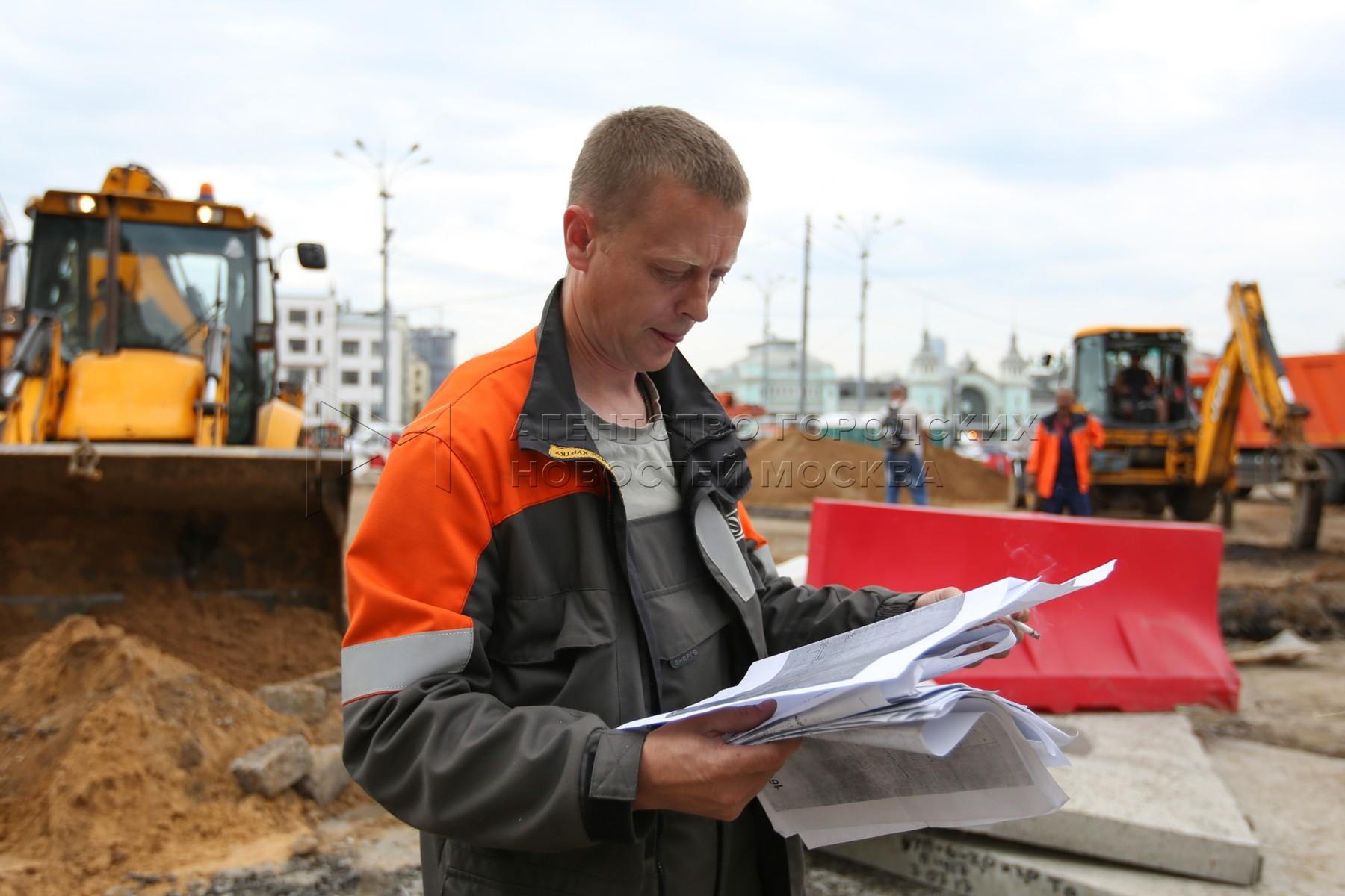 Работы по прокладке кабельной канализации и укладке трамвайных путей на ул. 1-я Тверская-Ямская