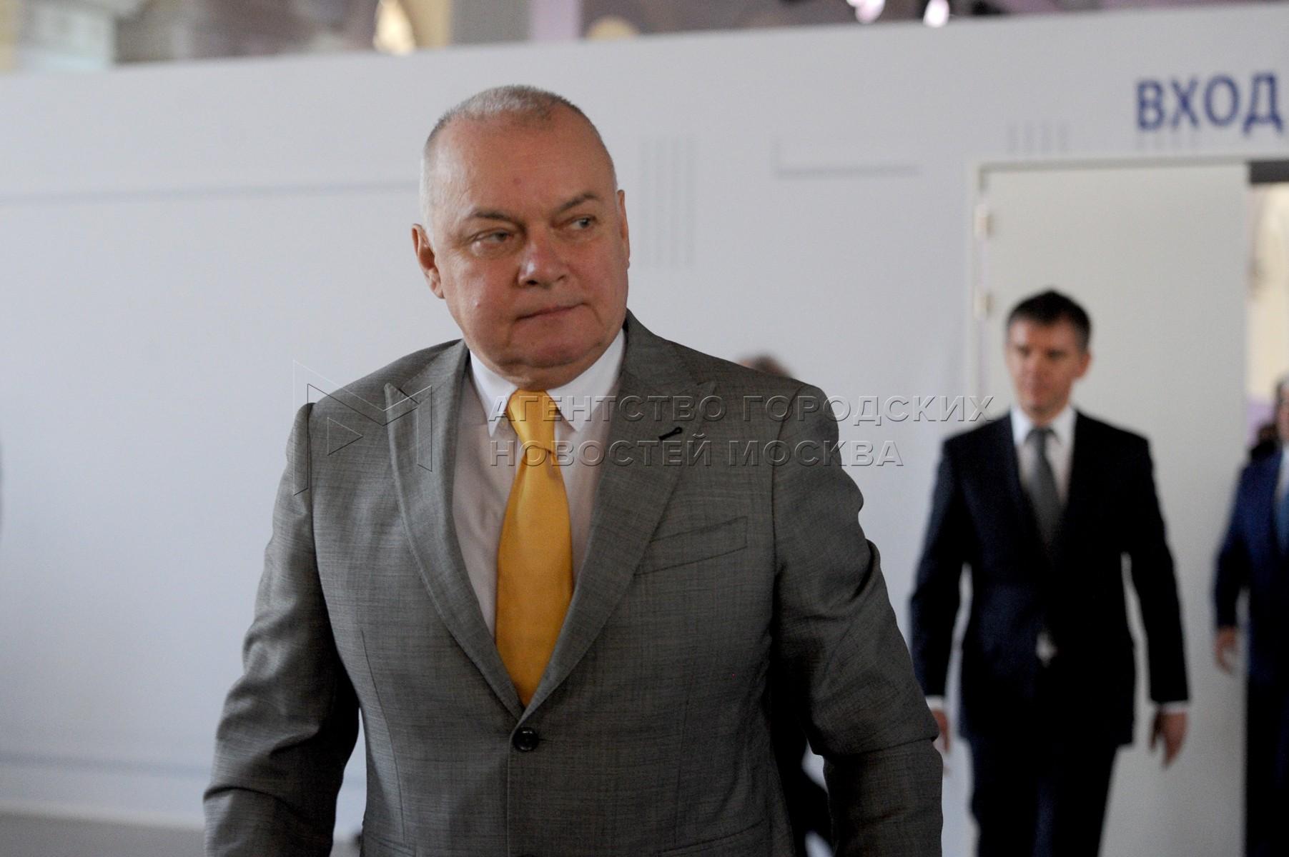 Телеведущий Дмитрий Киселев во время ежегодного послания президента РФ Федеральному собранию в центральном выставочном зале «Манеж».