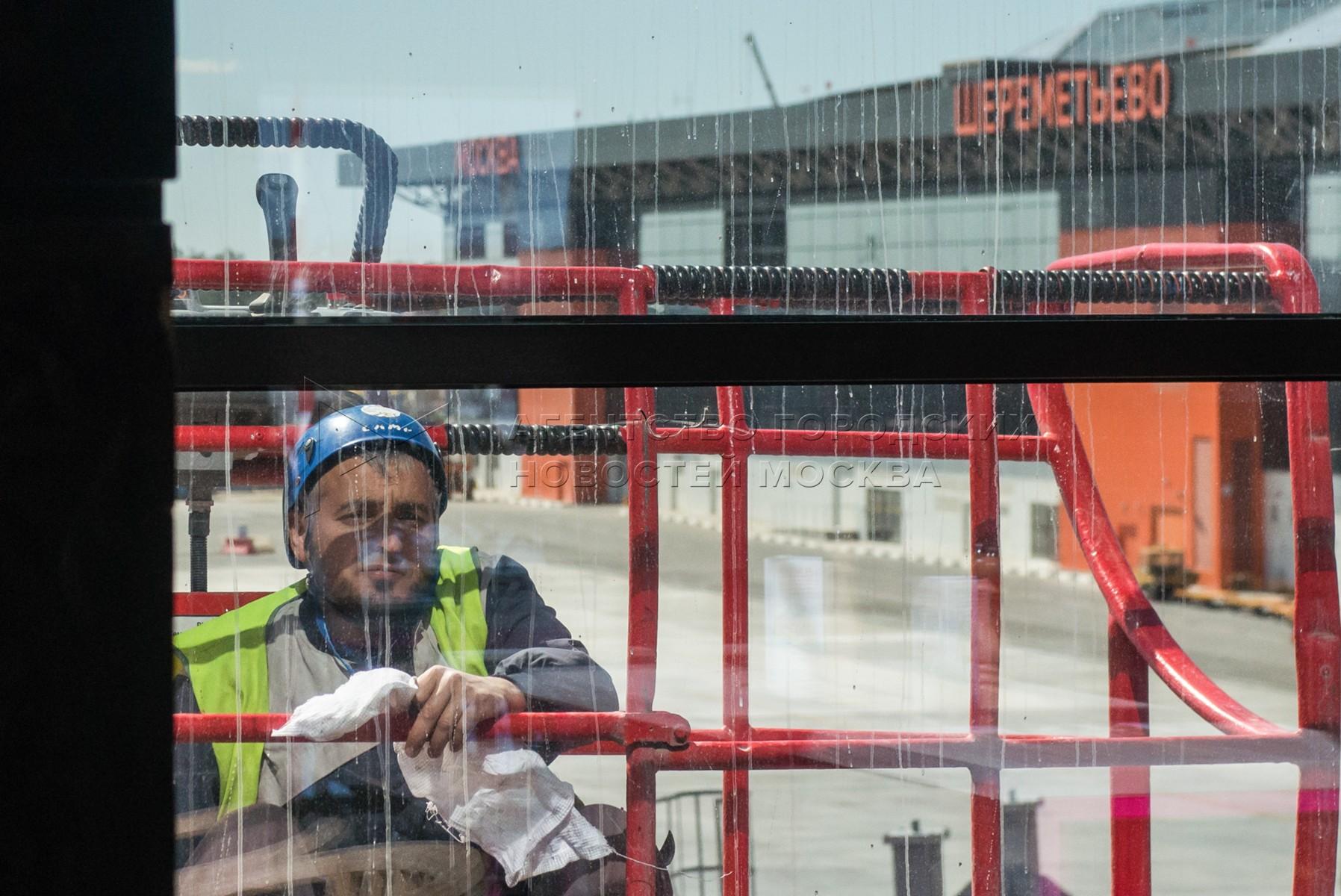 Автор фото: Иванко Игорь. Презентация нового терминала B и других объектов к ЧМ-2018 в аэропорту Шереметьево.