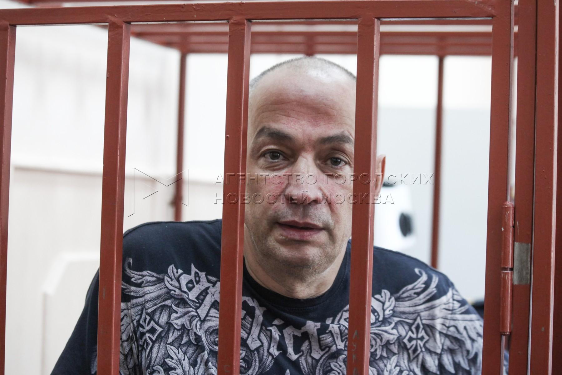 Рассмотрение в Басманном суде ходатайства СК о продлении ареста главы Серпуховского района А.Шестуна.