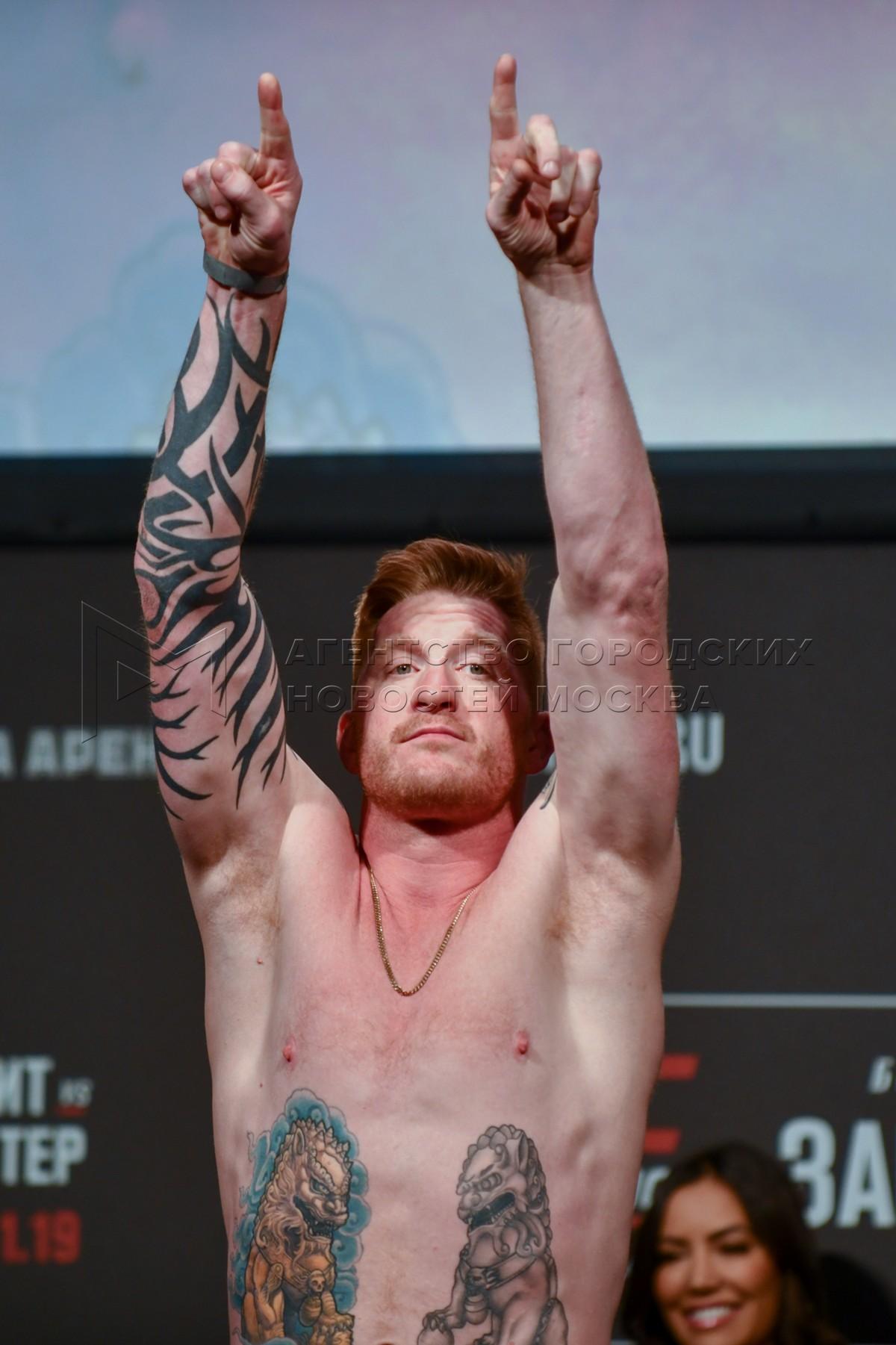 Американский боец смешанных единоборств Эд Герман во время церемонии взвешивания бойцов турнира UFC Fight Night Москва в спорткомплексе «ЦСКА Арена».