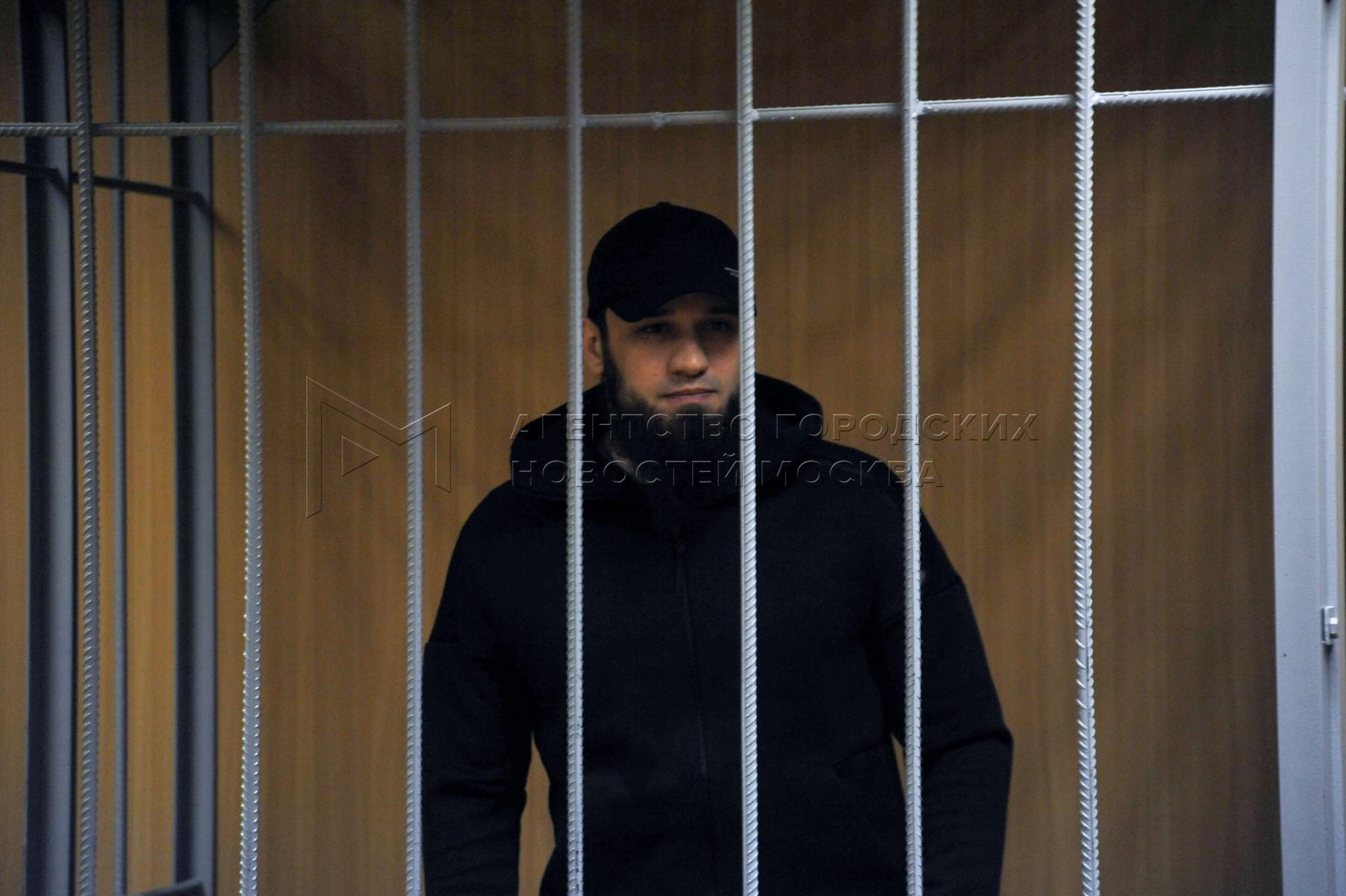 Сообщник фотомодели Ольги Синтюревой Ибрагим Дудаев, обвиняемый в краже 22 млн руб. у депутата госдумы Сергея Жигарева, в Пресненском суде во время рассмотрения дела.