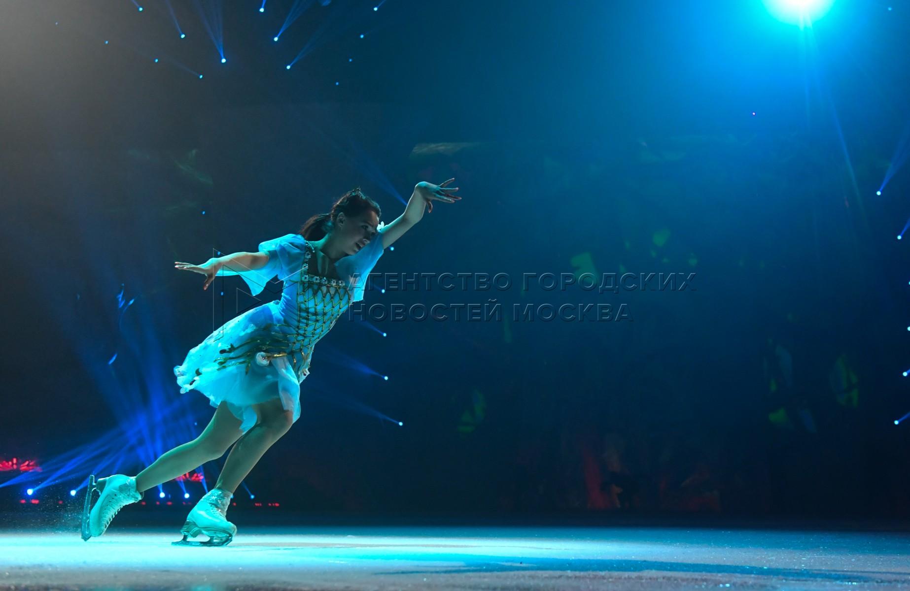 Премьера ледового шоу Татьяны Навки «Спящая красавица. Легенда двух королевств» во дворце спорта «Мегаспорт».