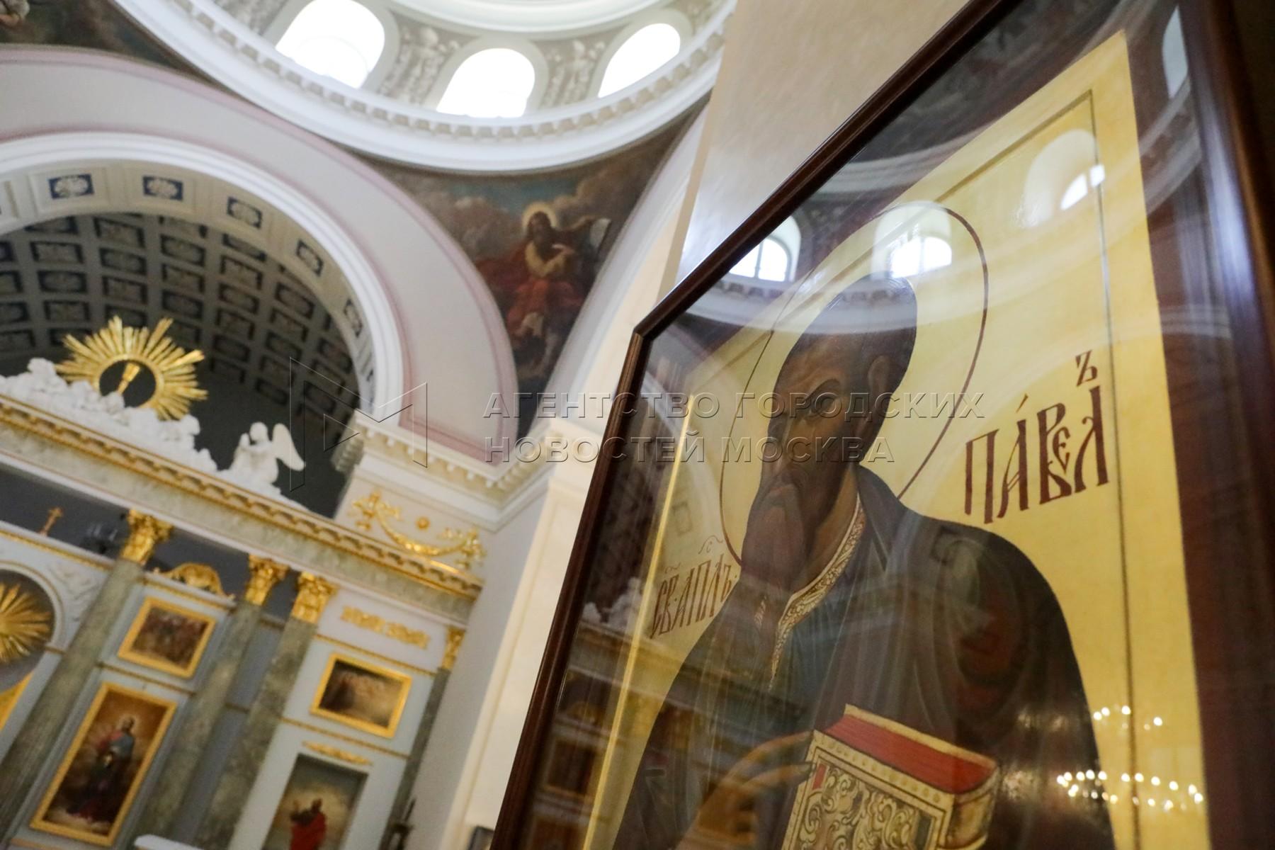 Церковь Троицы Живоначальной при Странноприимном доме графа Шереметева который отмечает 210-летний юбилей.