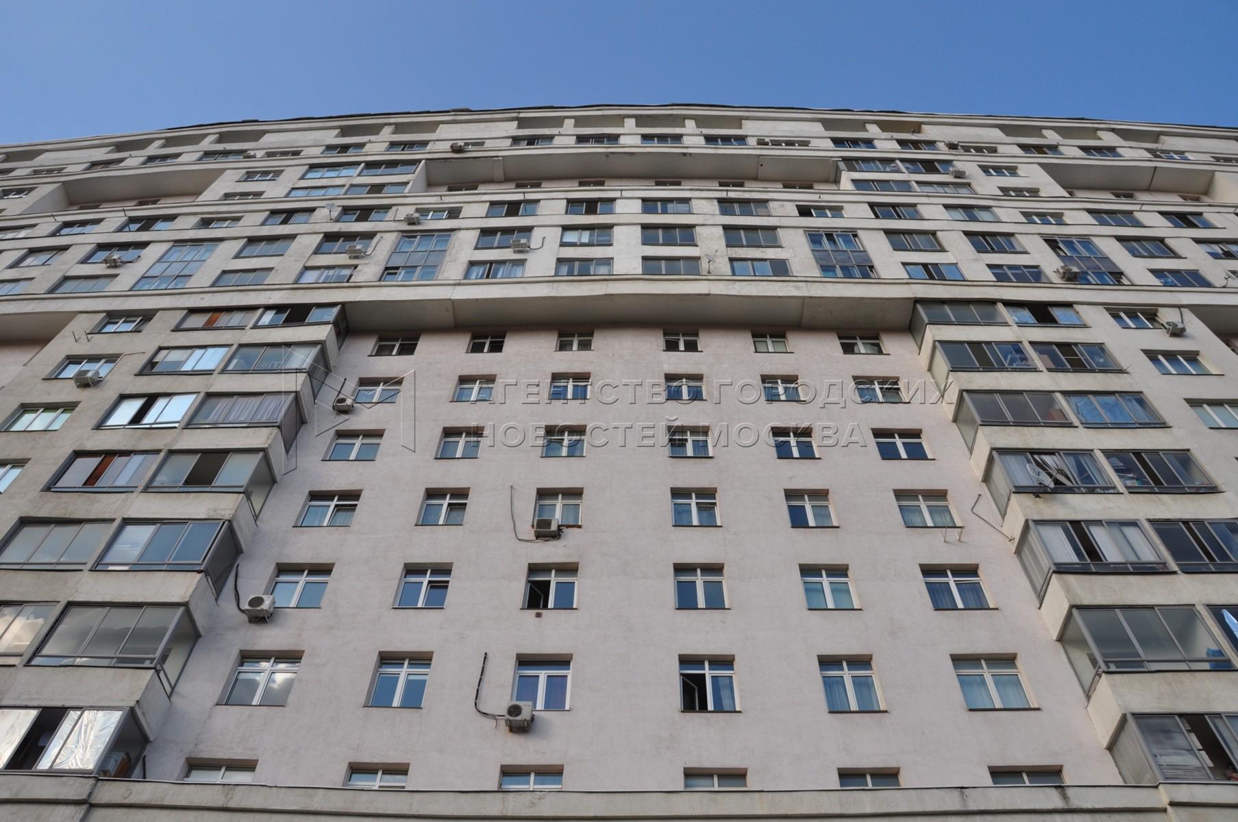 Жилой дом длиной более 750 м на ул. Гризодубовой, входящий в архитектурный ансамбль «Грандъ-Парк» на Ходынском поле.