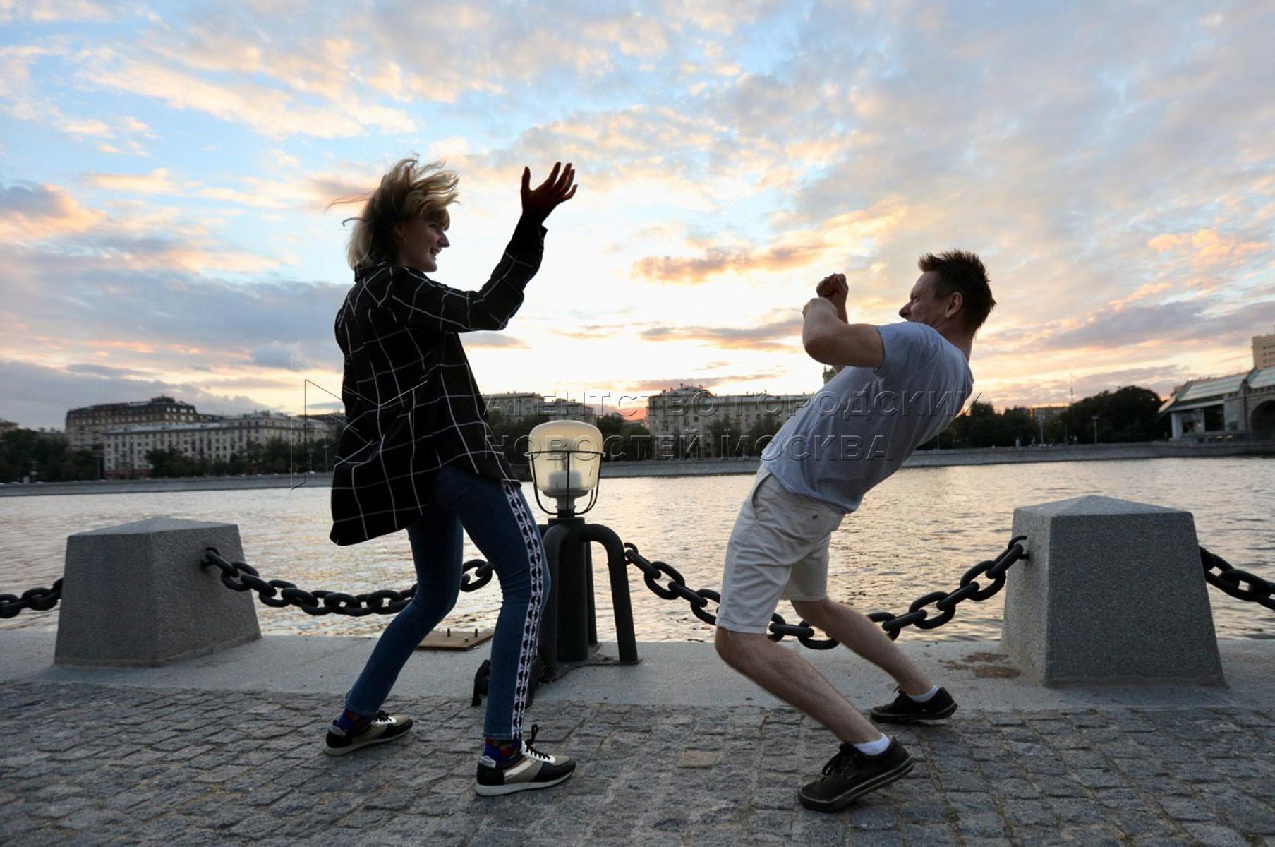 Танцевальная практика для опытных танцоров в Парке Горького.