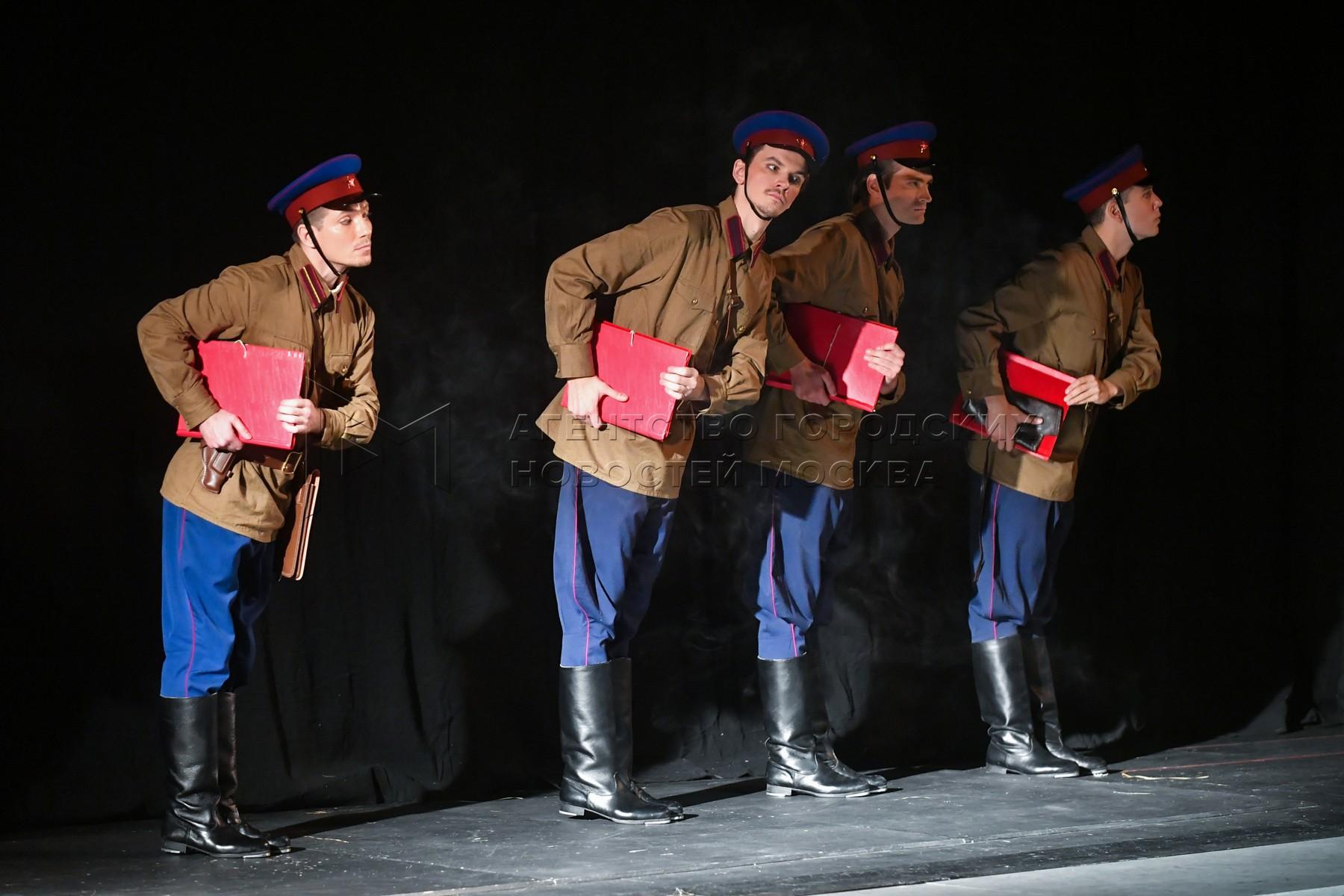 Музыкальный спектакль «Красный Моцарт» в МХАТ имени Горького.
