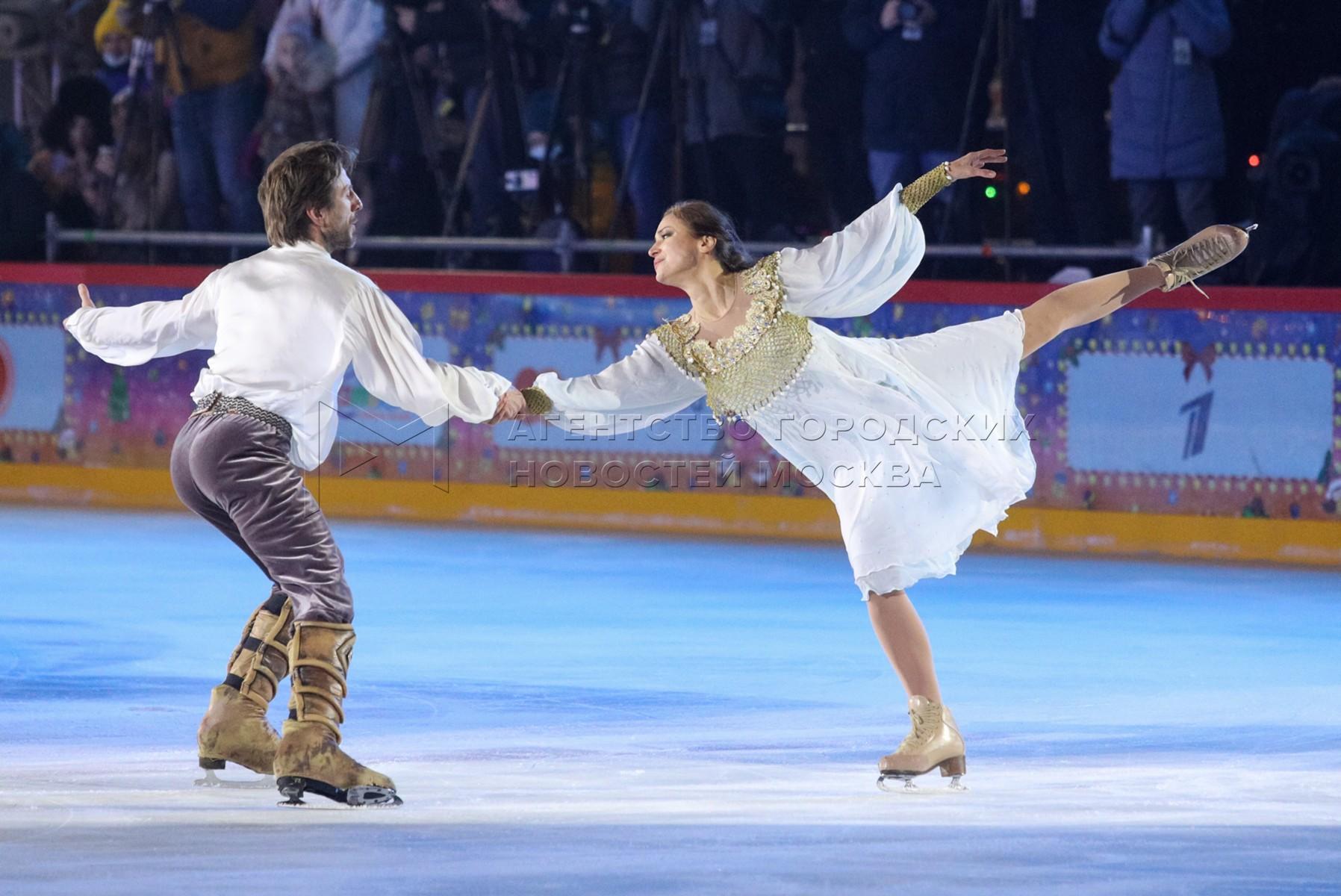 Открытие юбилейного сезона ГУМ-Катка на Красной площади.