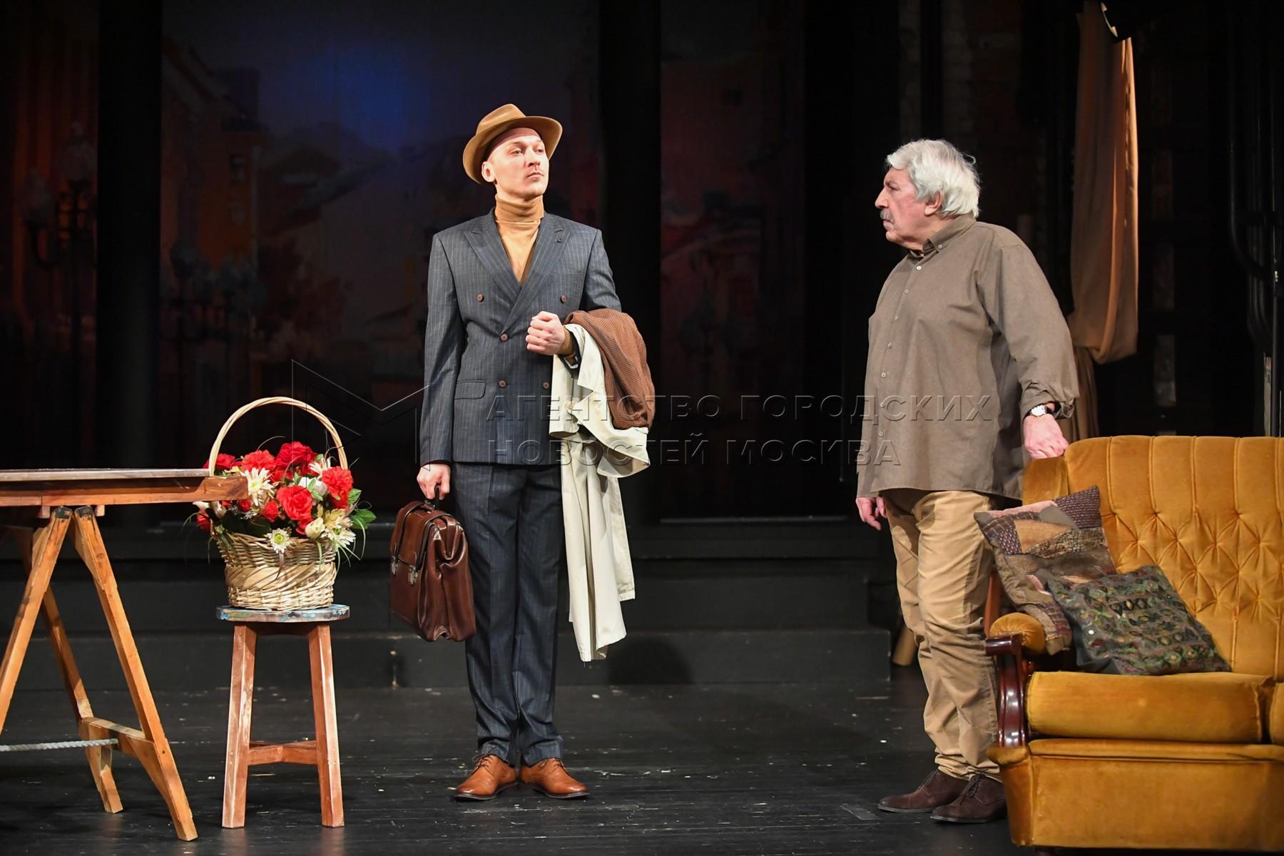 Показ спектакля «Сказки старого Арбата» на Симоновской сцене Государственного академического театра имени Евгения Вахтангова.