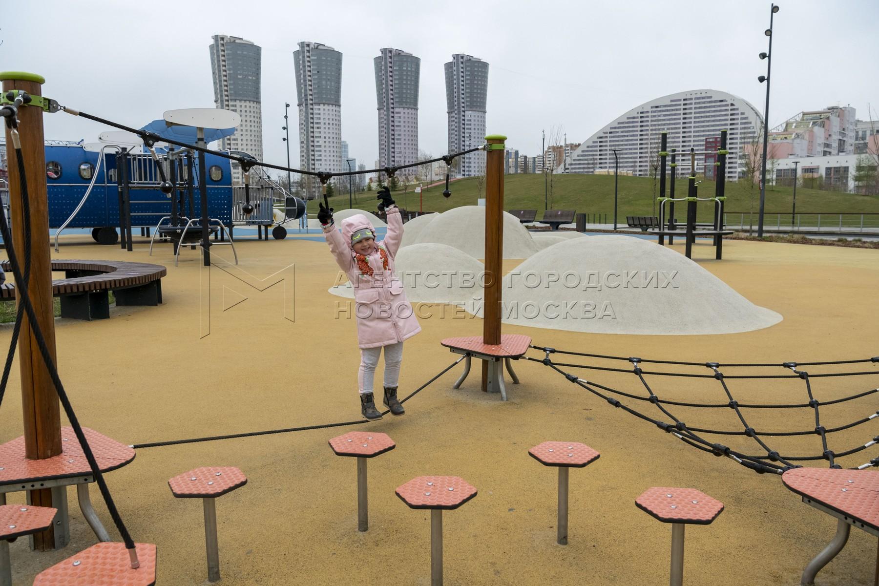 Открытие сезона фонтанов в столице, в парке «Ходынское поле». Фото: Владимир Новиков, пресс-служба мэра и правительства.